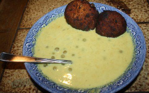 Kichererbsen-Suppe